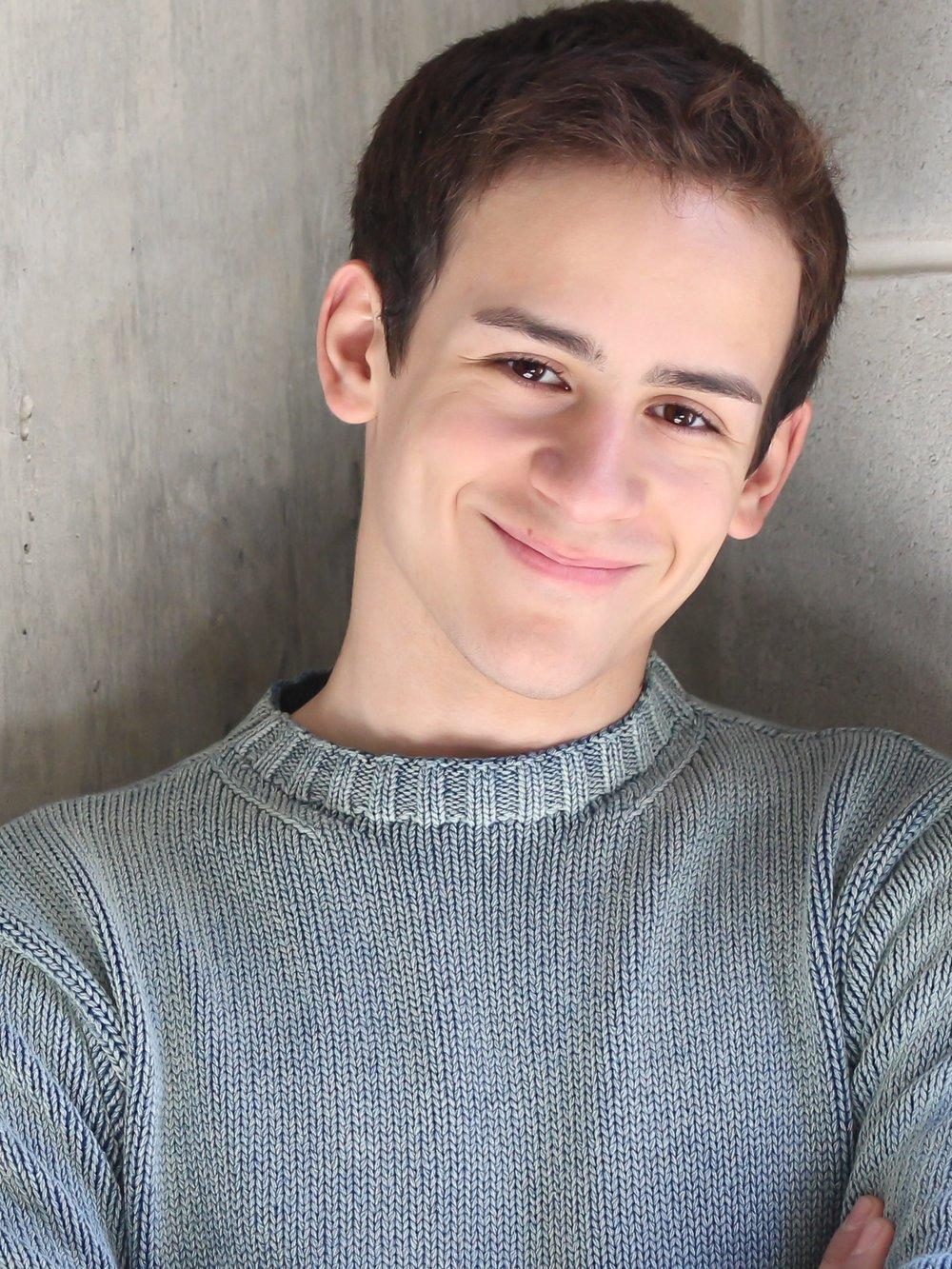 Jeremy Fernandez as Lucas