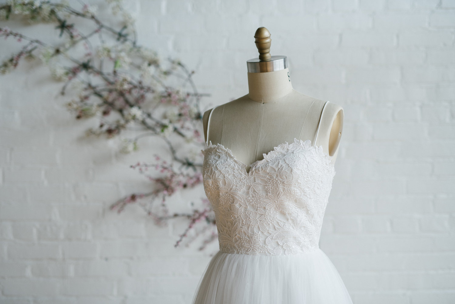 Couture Closet Facebook Online Only Wedding Dress Sample Sale Event,Cheap Wedding Dresses For Sale Near Me