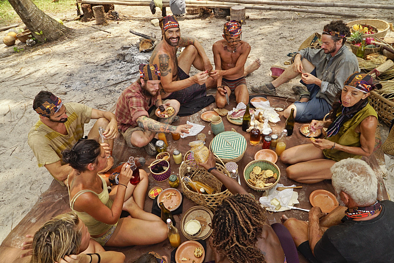 "The new ""Dara"" tribe chows down and bonds as a freshly-merged group."