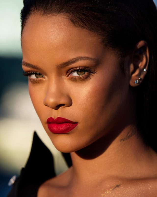 Rihanna – Same Old Love
