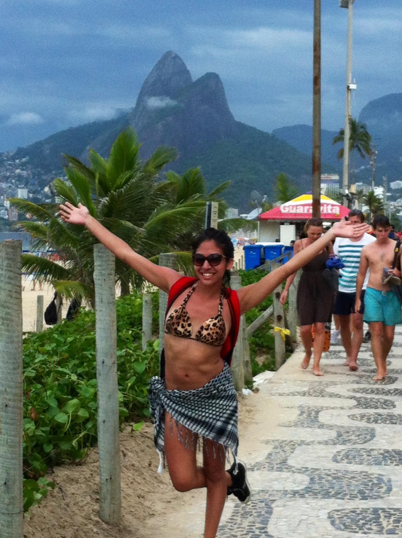 I love the beach in Cali and I love the beach in Rio!Que bendicion poder estudiar cerca de la playa!