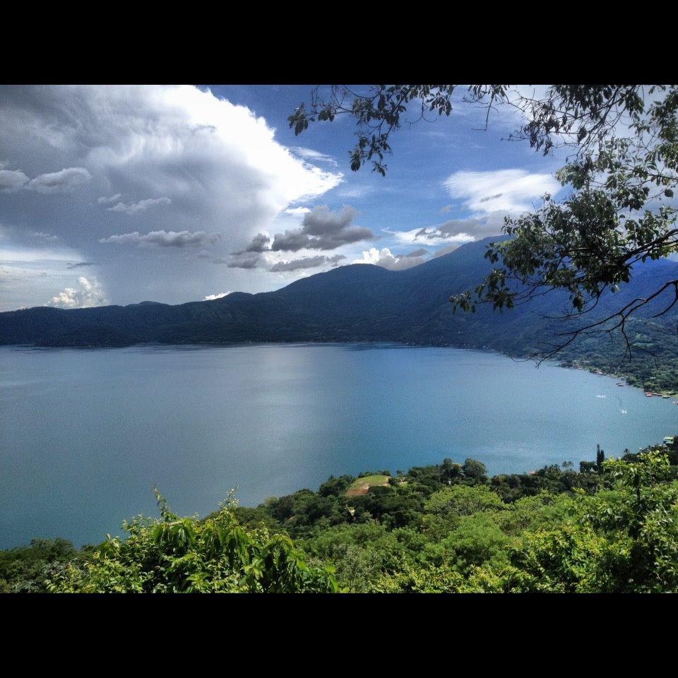 The beauty behind this place is indescribable!Lago Coatepeque en el departamento de Santa Ana,El Salvador