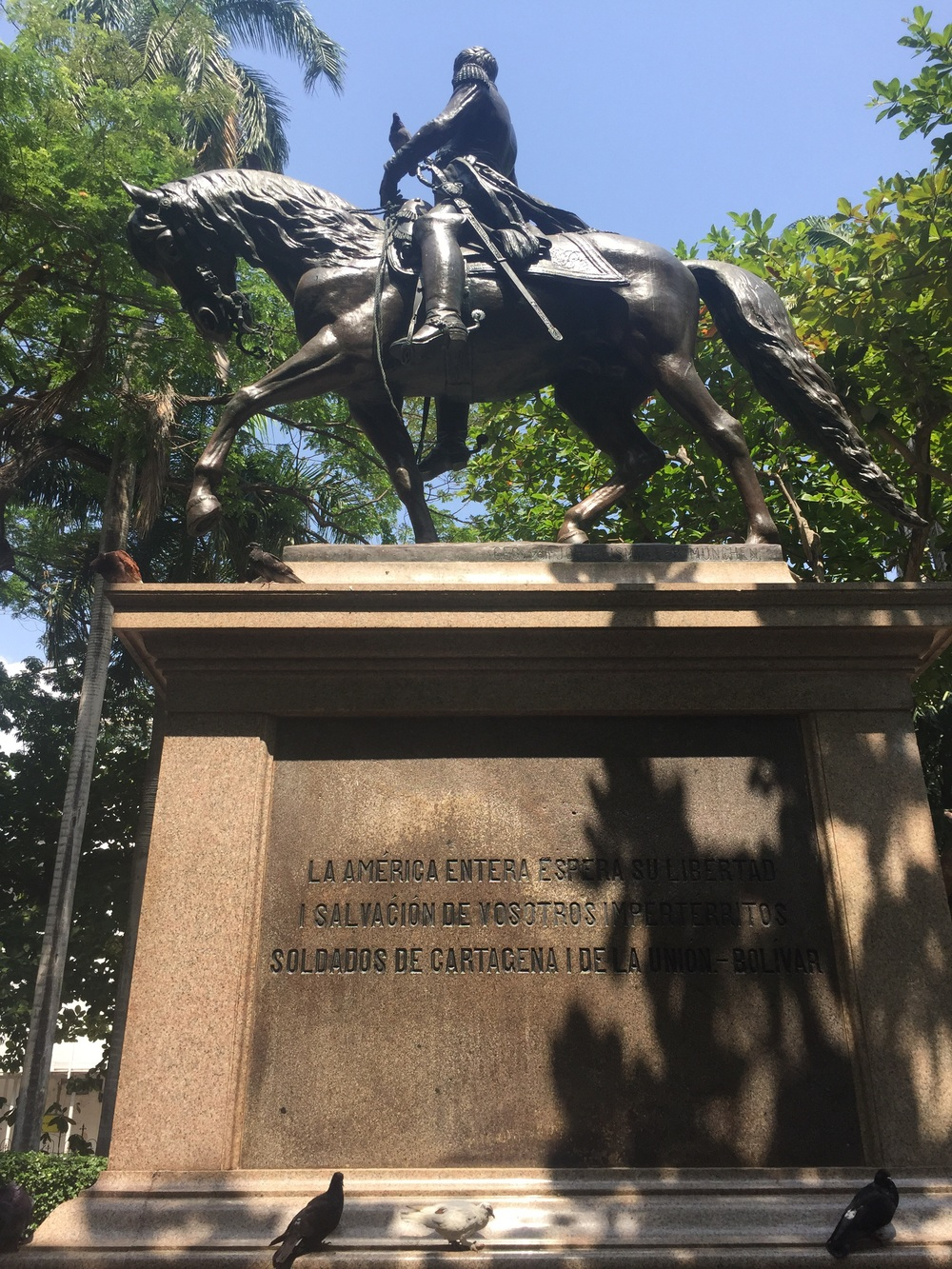"""""""La América entera espera su libertad y salvación de vosotros, impertérritos soldados de Cartagena y de la Unión"""" - Simon Bolivar"""