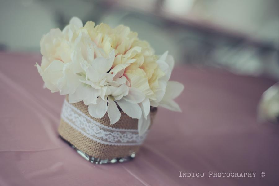 burlap-vase-flowers