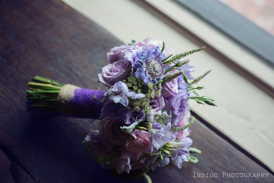 vintage-wedding-flowers-purple