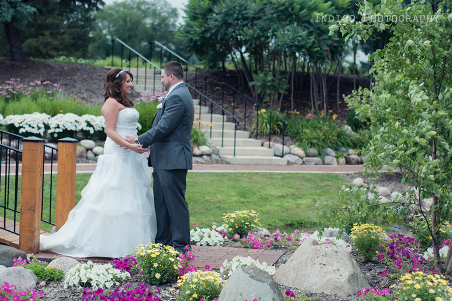 first-look-rockford-illinois-wedding-photographers