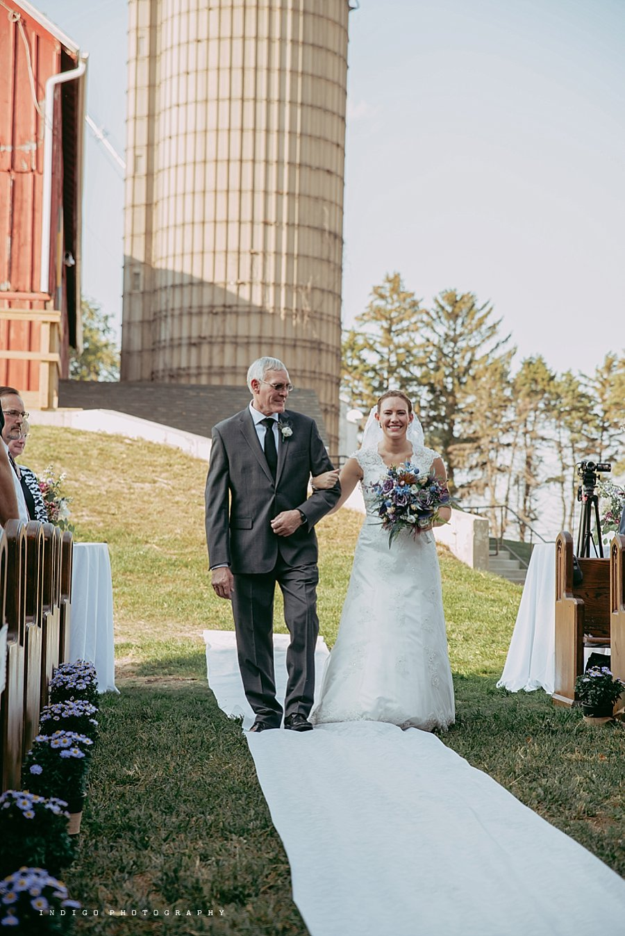 brauer-barn-pecatonica-il-wedding_0095.jpg