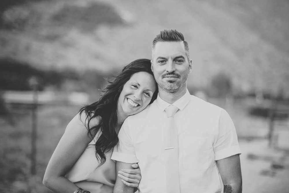 joshua-tree-elopement-photographers.jpg