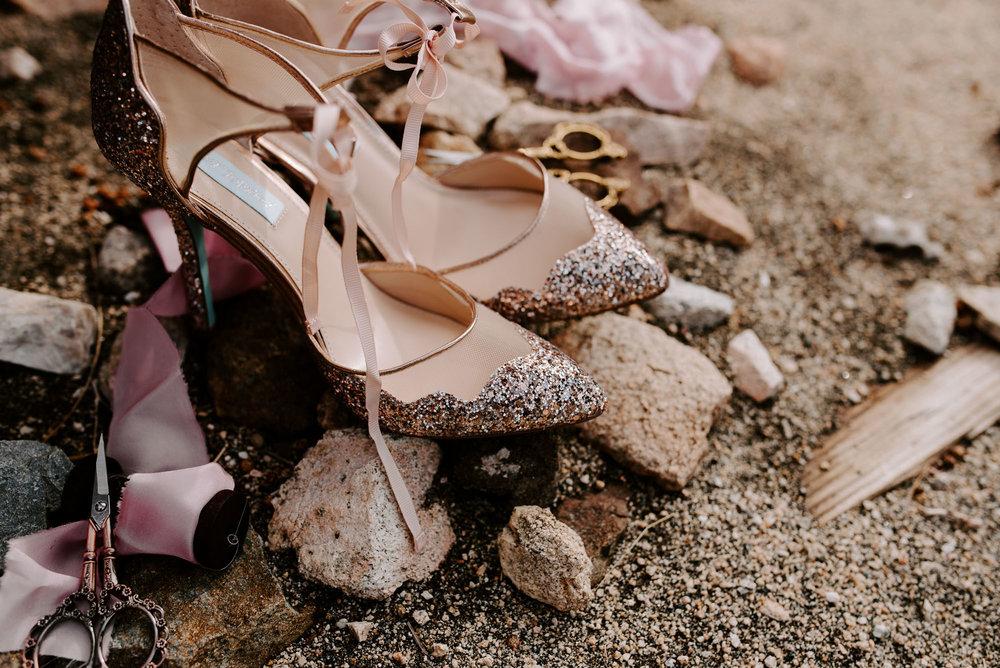 joshua-tree-elopement-wedding-photographers-32.jpg