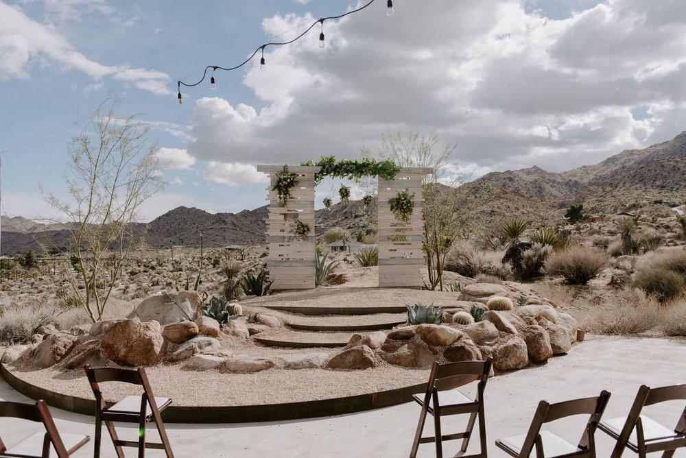 joshua-tree-elopement-wedding-photographers-48.jpg