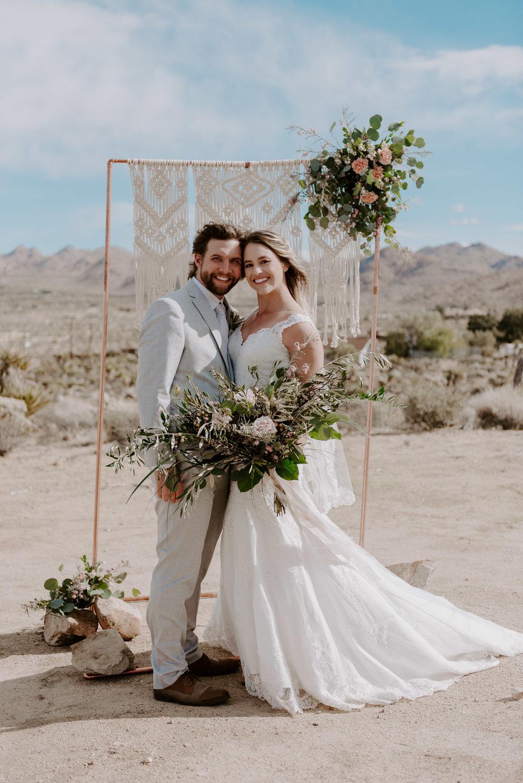 joshua-tree-elopement-wedding-photographers-81.jpg