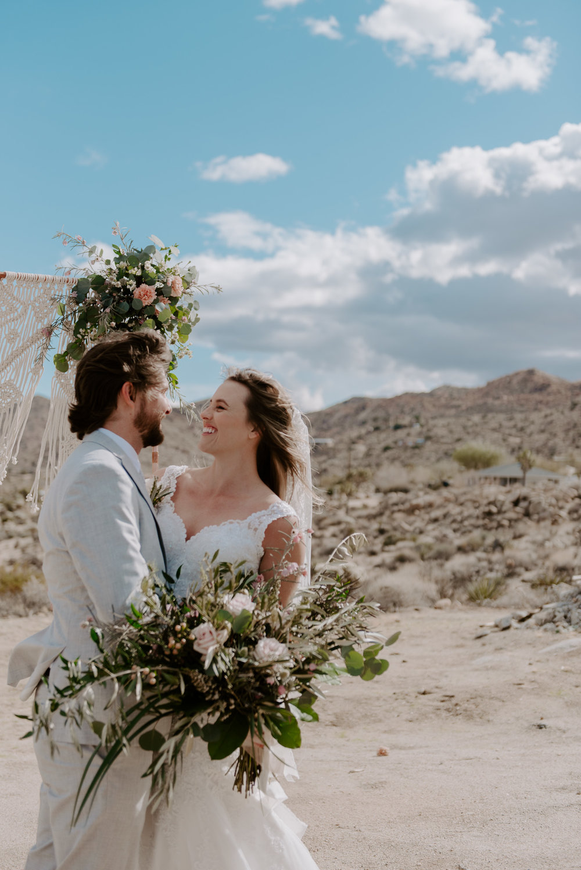 joshua-tree-elopement-wedding-photographers-85.jpg