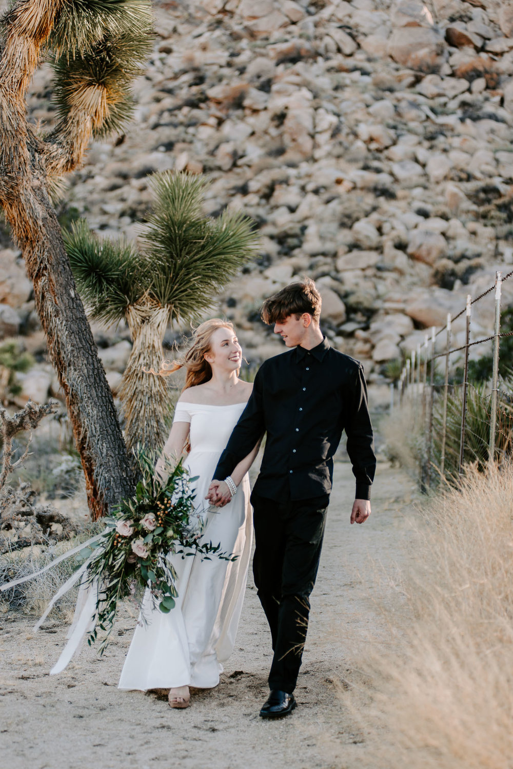 joshua-tree-destination-wedding-photographers-48.jpg