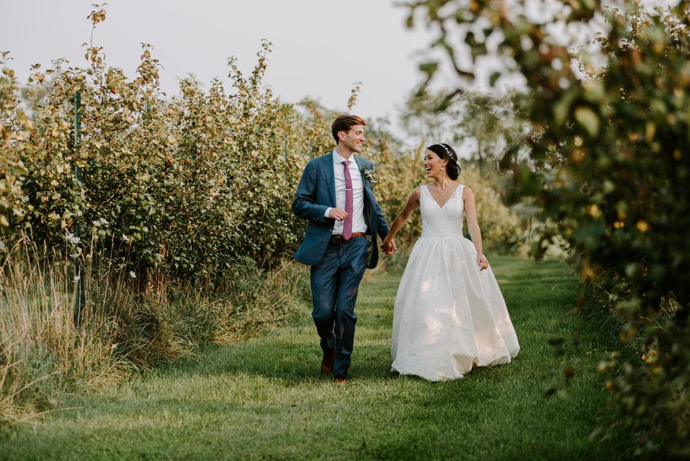 orchard-farms-pavillion-wedding-photos-rockton-il-wedding-photographers-126.jpg