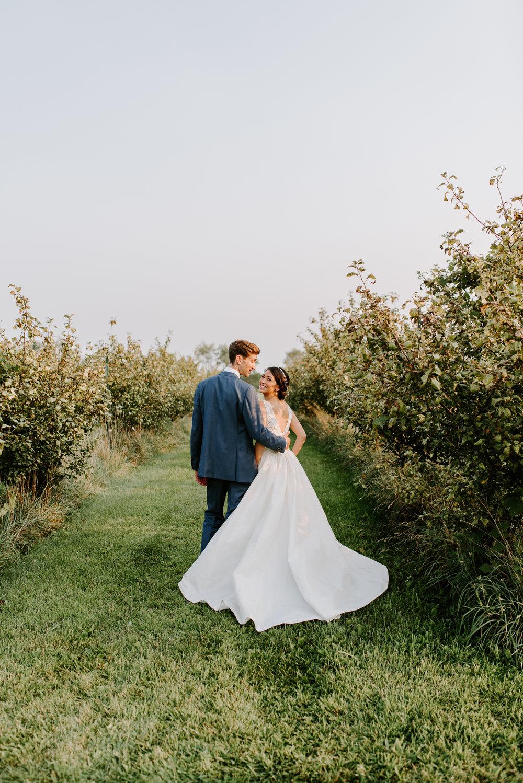 orchard-farms-pavillion-wedding-photos-rockton-il-wedding-photographers-227.jpg
