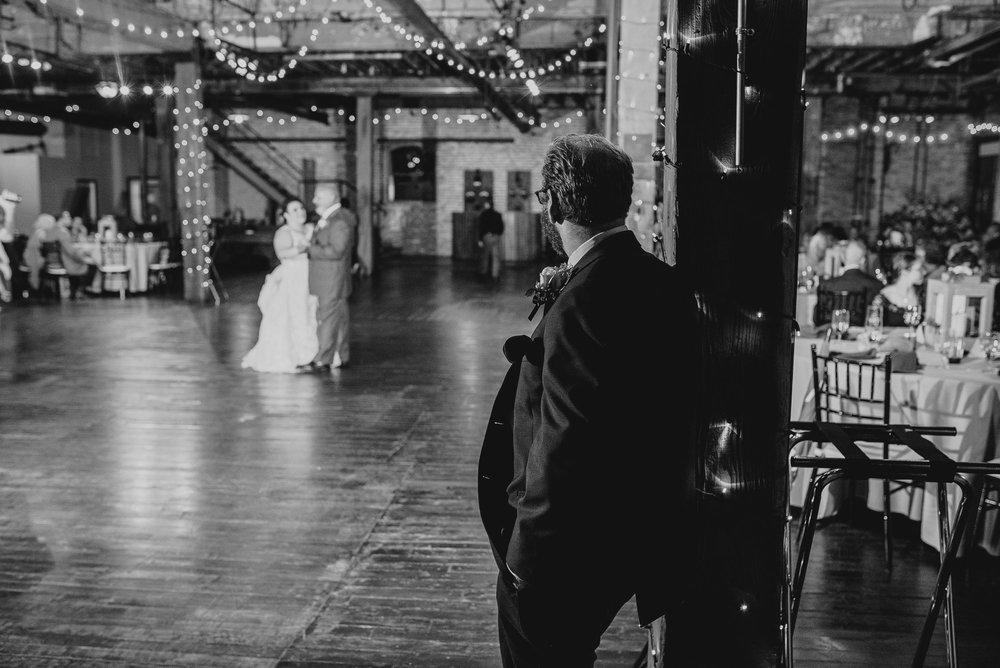 starline-factory-wedding-photos-Rockford-IL-wedding-photographers-176.jpg