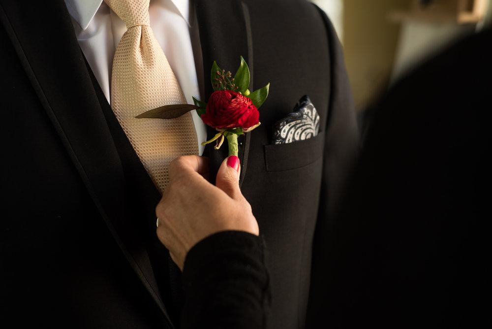 dc-winery-wedding-photos-beloit-wi-wedding-photographers-19.jpg