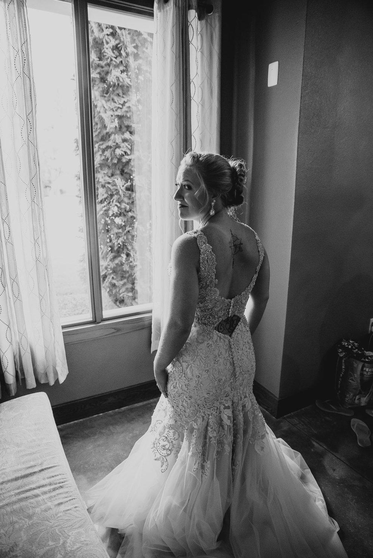 dc-winery-wedding-photos-beloit-wi-wedding-photographers-27.jpg