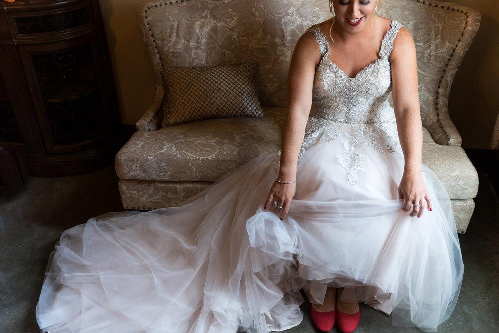 dc-winery-wedding-photos-beloit-wi-wedding-photographers-29.jpg