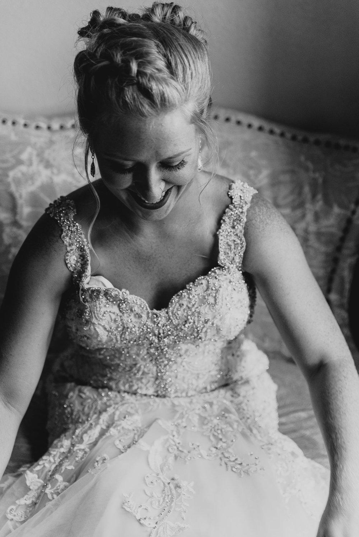 dc-winery-wedding-photos-beloit-wi-wedding-photographers-28.jpg