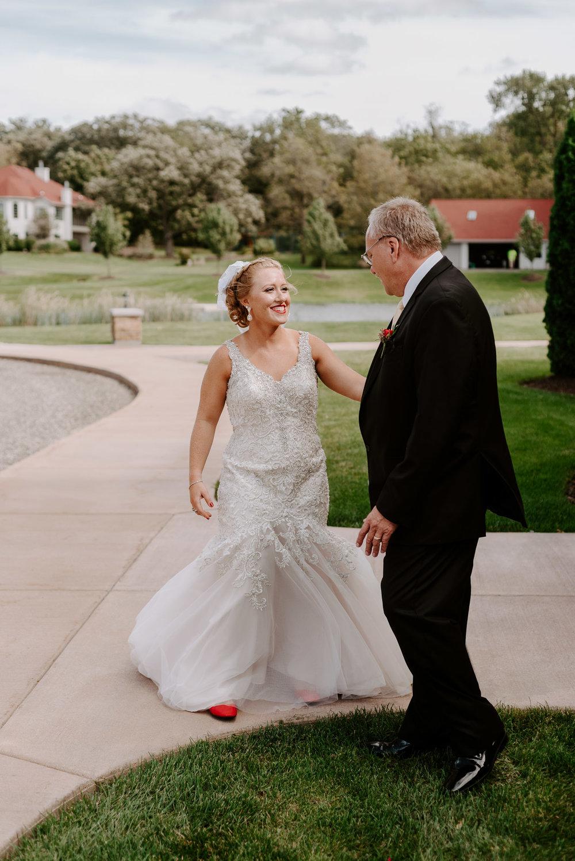 dc-winery-wedding-photos-beloit-wi-wedding-photographers-39.jpg