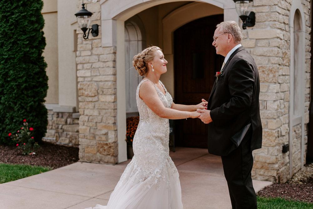 dc-winery-wedding-photos-beloit-wi-wedding-photographers-40.jpg
