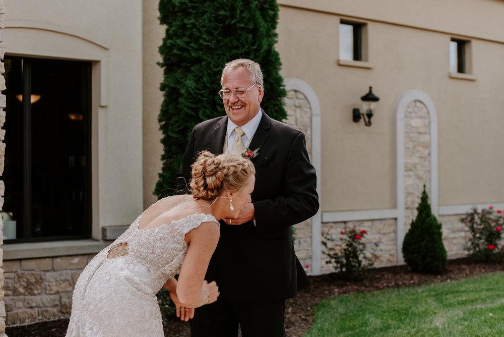 dc-winery-wedding-photos-beloit-wi-wedding-photographers-44.jpg