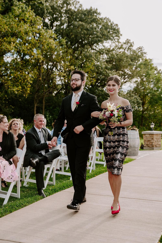 dc-winery-wedding-photos-beloit-wi-wedding-photographers-118.jpg