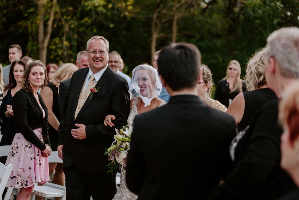 dc-winery-wedding-photos-beloit-wi-wedding-photographers-127.jpg