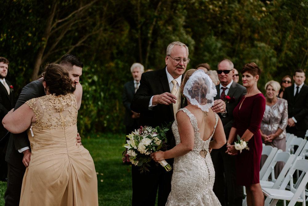dc-winery-wedding-photos-beloit-wi-wedding-photographers-132.jpg