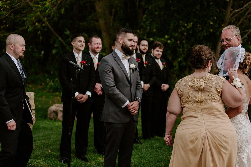 dc-winery-wedding-photos-beloit-wi-wedding-photographers-130.jpg