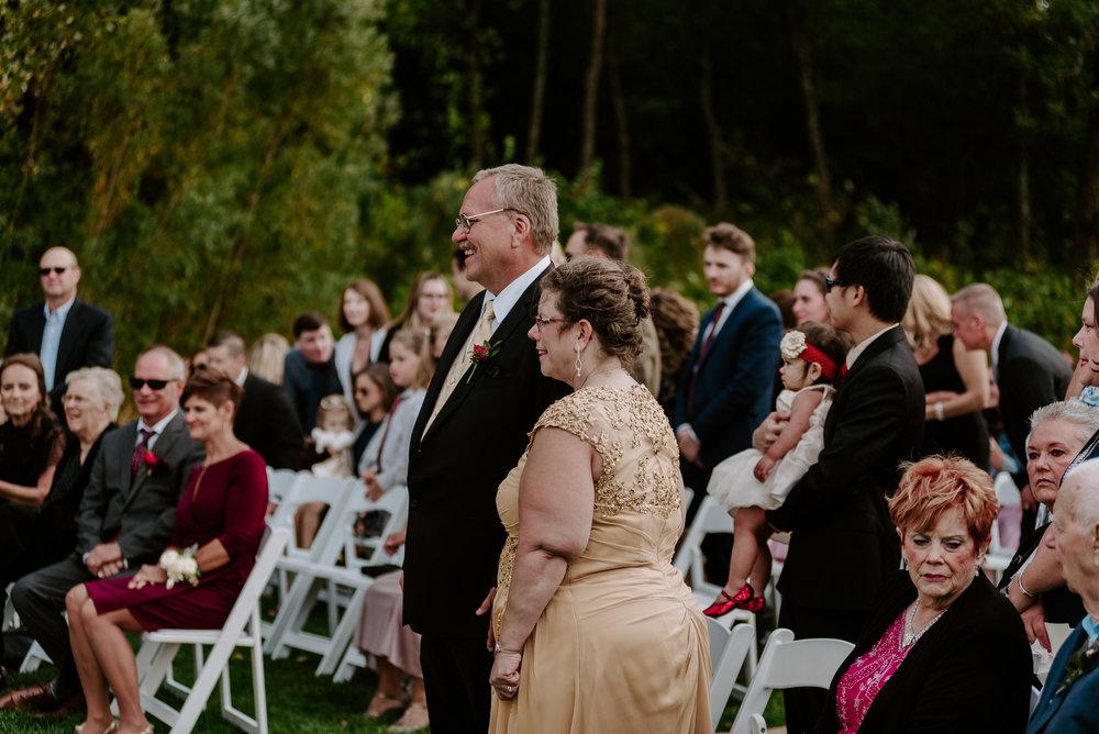 dc-winery-wedding-photos-beloit-wi-wedding-photographers-139.jpg