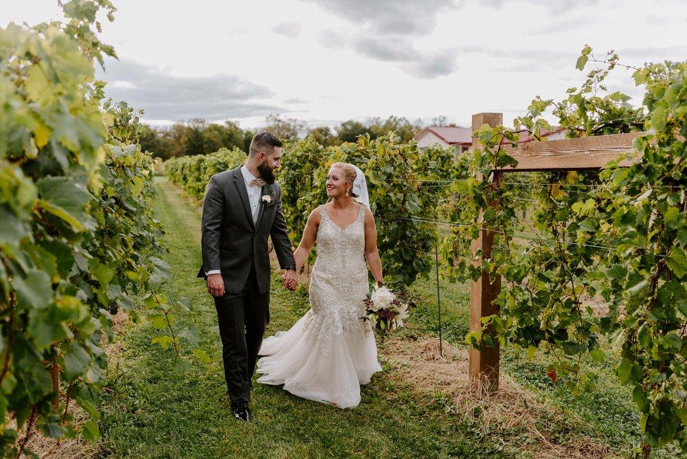 dc-winery-wedding-photos-beloit-wi-wedding-photographers-184.jpg