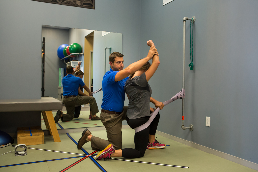 Banded hip distraction for anterior hip mobilization