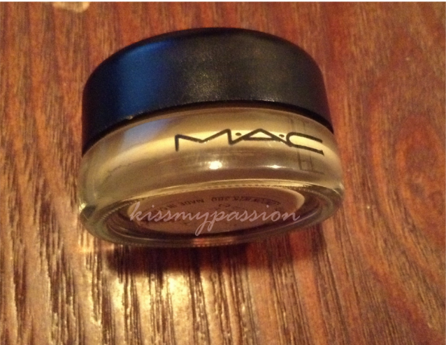 MAC Pain Pot in Ochre