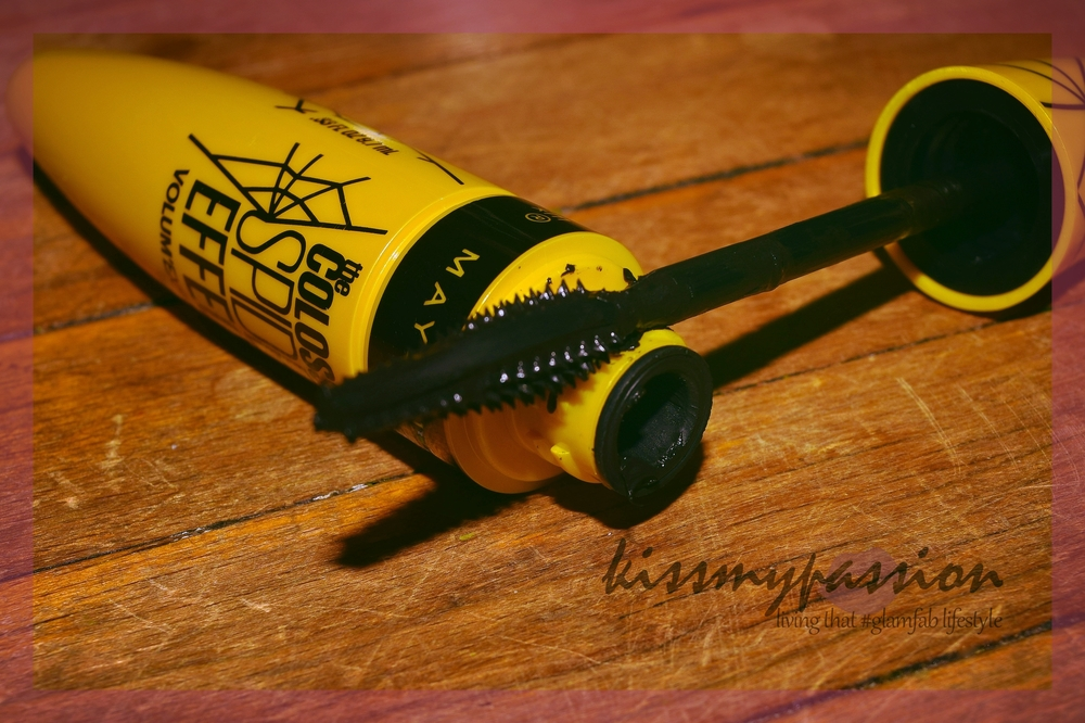 Maybelline Colossal Spider Effect Volumnious Mascara Wand No Bristles