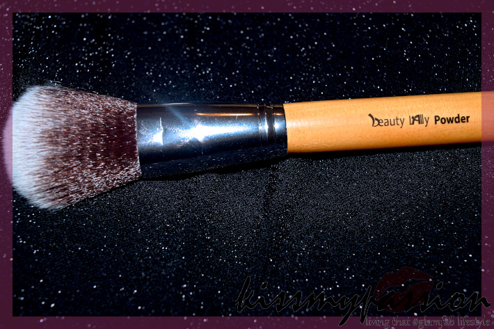 Powder Brush by Beauty Lally