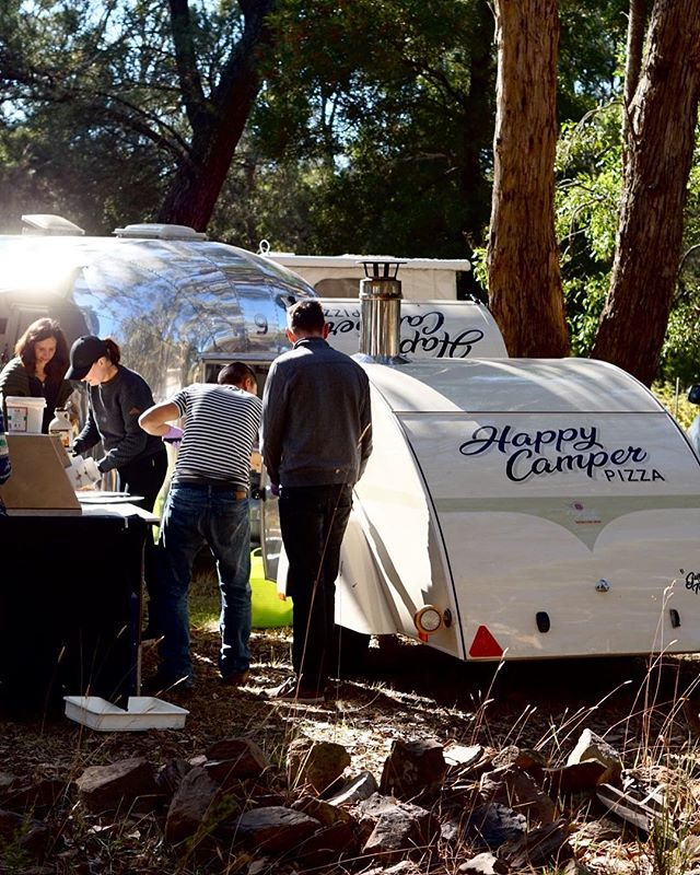 As if the Airstream Rally wasn't a good enough way to spend a birthday, late last night Remy of @happycamperpizza pulled in to fill our hungry morning tummies with the most AMAZING wood fired pizzas served straight from his Teardrop wood fire conversion. . ••• I couldn't go past the blue cheese and Lion's Mane mushroom pizza with @mushroomforestry amazing gourmet mushies. . ••• Special thanks also to Simon of @millettroadmaker for making the most amazing surprise birthday cake, brownies and sourdough rolls in between his usual big weekend of baking 🙏 ••• It's been an amazing weekend of new friends, sparkling vintage caravans, kids kids and more kids and just the best of country times. . . .  #AirStreamRally18  @airstreamclubaustralia @airstream_days @foomanstoo @fabiooliveira @normajeanairstream @goldiethevintagecaravan @mushroomforestry @wanderlings_au @radarlandscapes @vintage_airstreams_aust @airstreamdownunder @lucehersey @youmustbenathan @j.cg @weinzettl_streamers @amy.semmens #auairstreamrally18