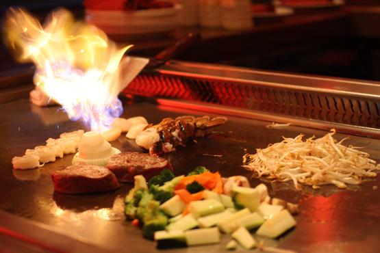 samba-metro-west-hibachi-sushi-dining_Hibachi-Entertainment-4.jpg