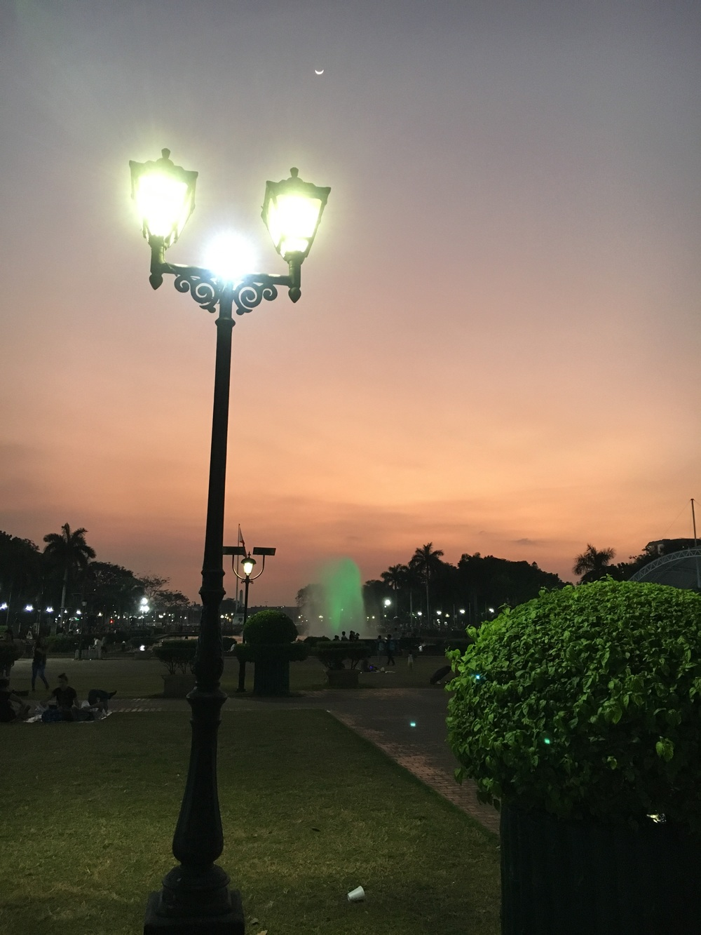 Rizal park at dusk