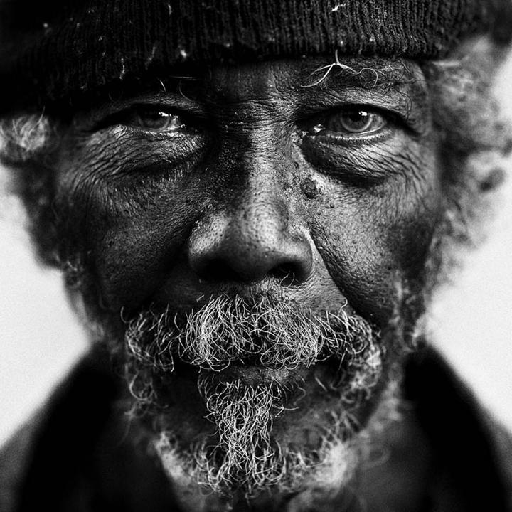 homeless-black-and-white-portraits-lee-jeffries-10.jpg