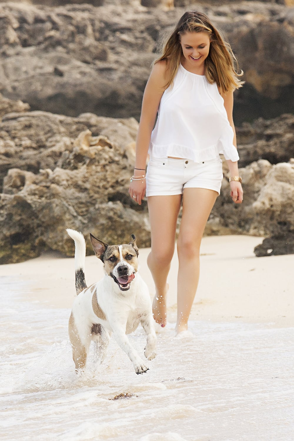 Jayde and Hugo at the beach