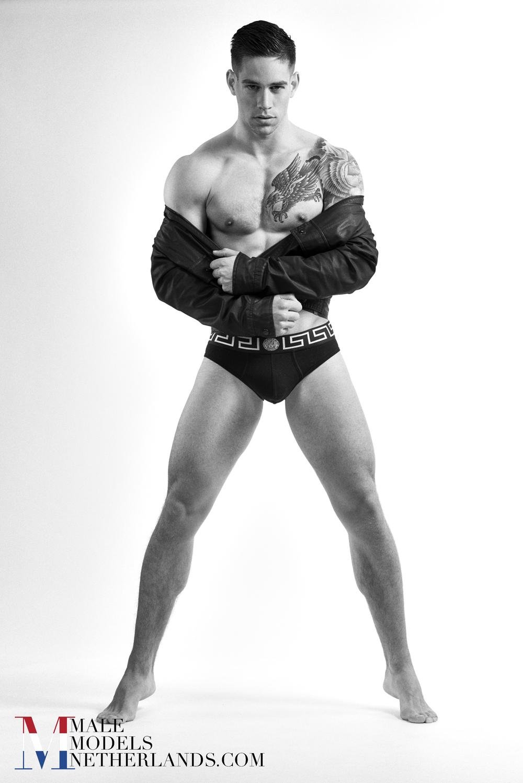Ronan-3-Male Models Netherlands 02BW.jpg