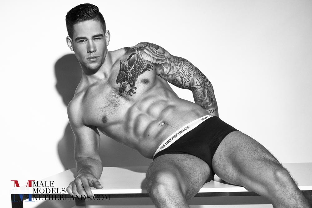 Ronan-Male Models Netherlands 14BW.jpg