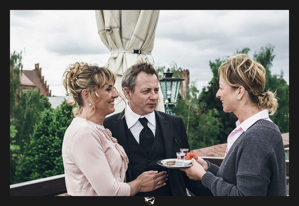 Hochzeitsfeier-Hotel-Schloss-Lounge_0019.jpg