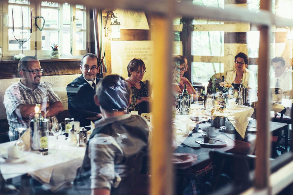 HD_Feier_Hochzeitsgesellschaft_1500.jpg