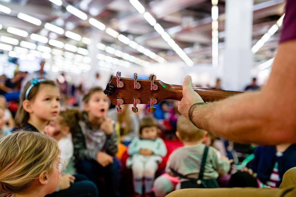 Musik erleben mit Basti Kinderlieder