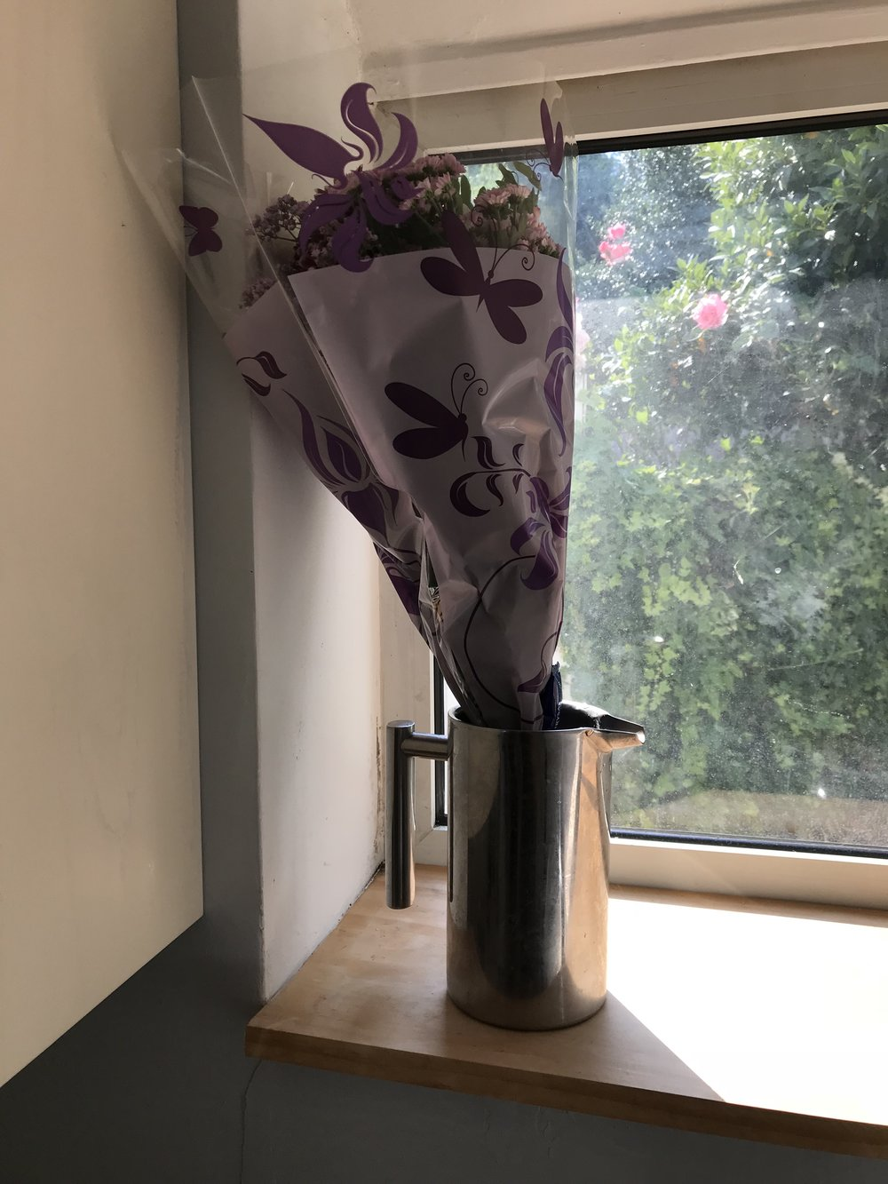 When you have no vase but f**king cool friends!