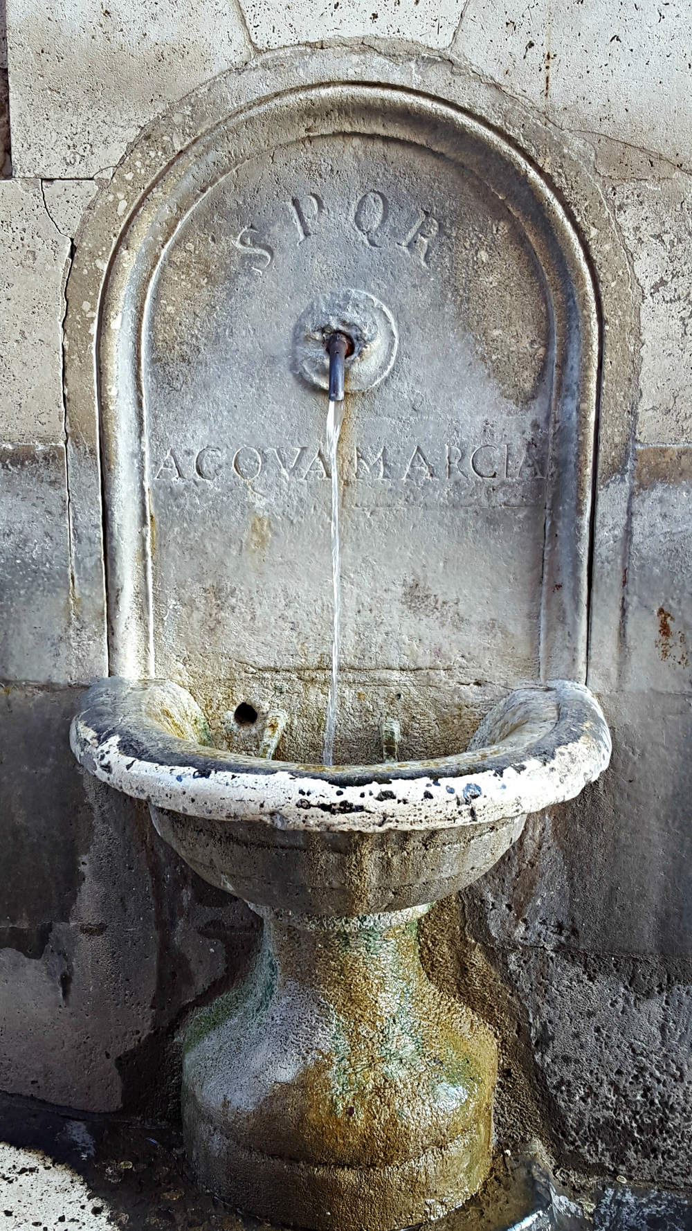 Fresh, clean, free water on tap in Rome. Literally.