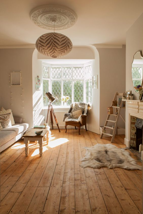 the difference between vinyl laminate and wood floors tassels tigers themed interiors. Black Bedroom Furniture Sets. Home Design Ideas